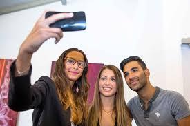 Selfie avec les youtubeurs à Vidéo City