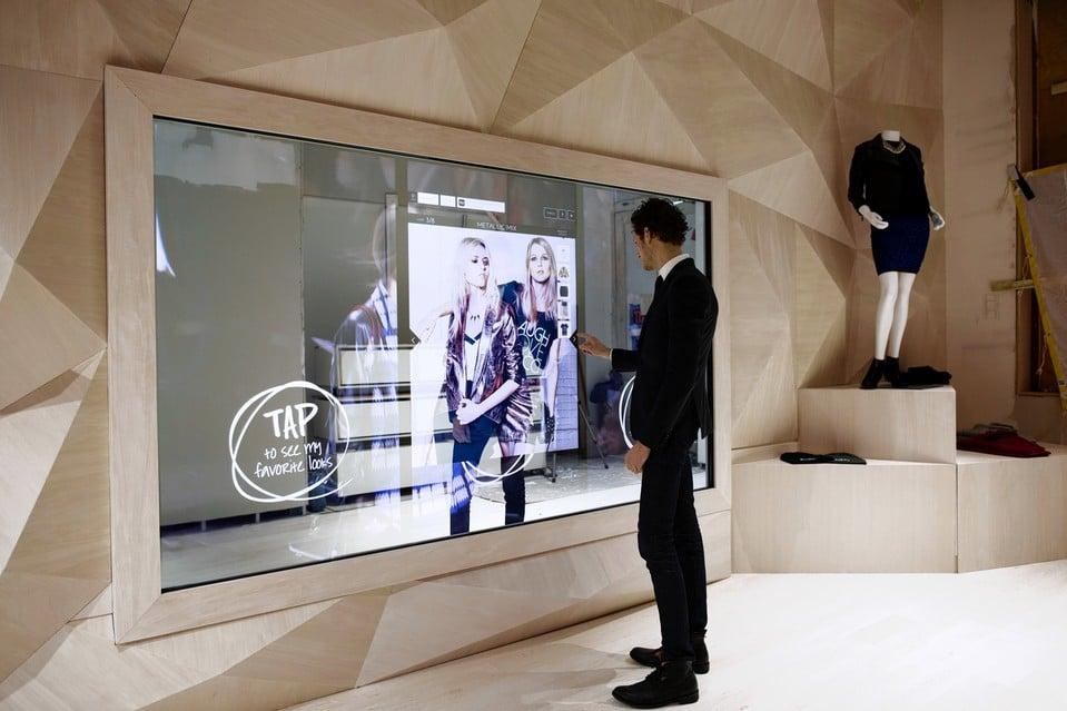 miroir interactif et digital int gr aux cabines d