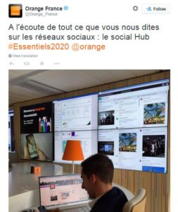 Orange-Social-Hub-Tweet-social-room