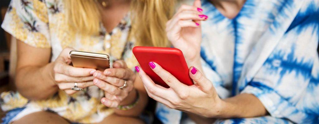 Femme smartphone